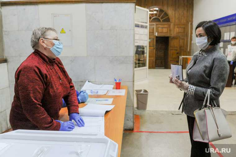 Котова Наталья на избирательном участке. Челябинск