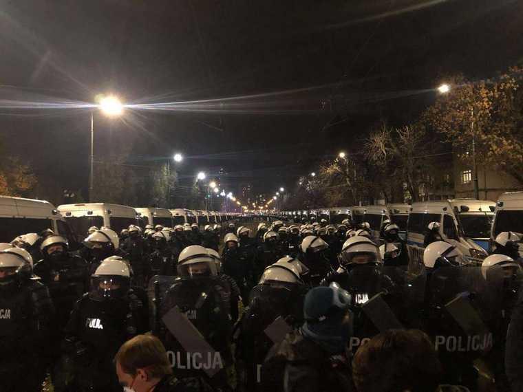 Польша полиция кордон протесты аборты