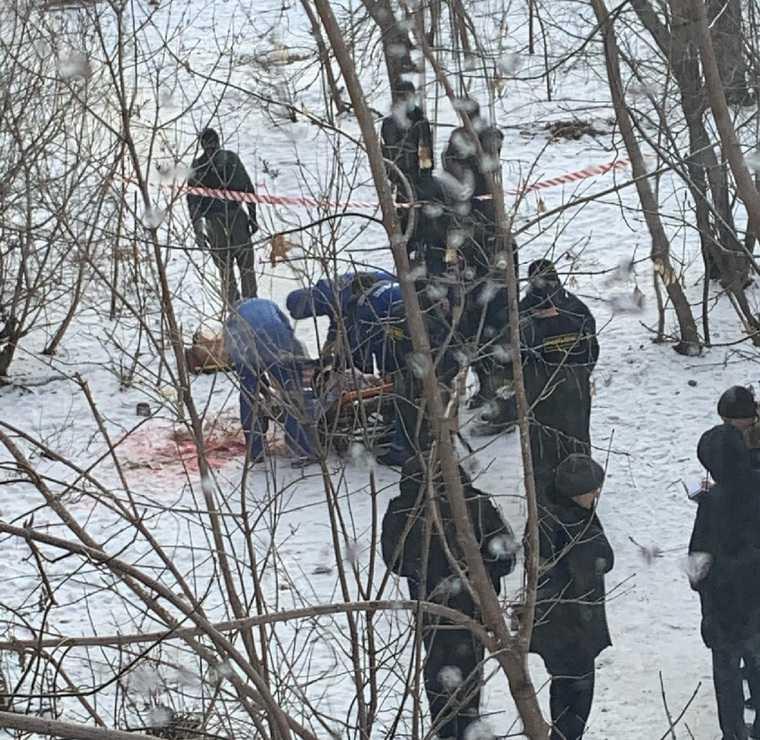 Сбежавший из ковидного госпиталя челябинец напугал горожан. Полицейские открыли огонь