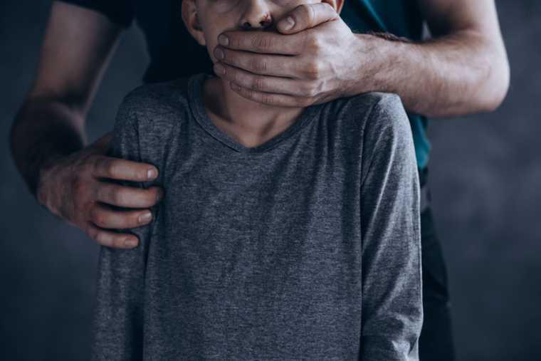 новости хмао нападение на 11 летнюю девочку педофил в нижневартовске улица Северная попытался похитить неизвестный мужчина напал на ребенка украл
