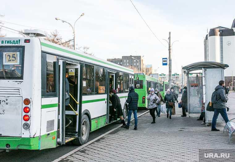 в Салехарде местные жалуются на вечно опаздывающие автобусы