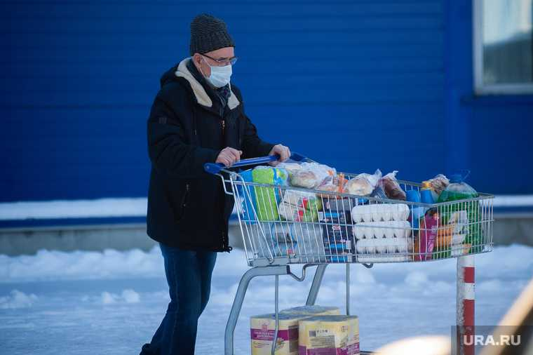 Эпидемиолог назвал причину спада COVID во время новогодних праздников