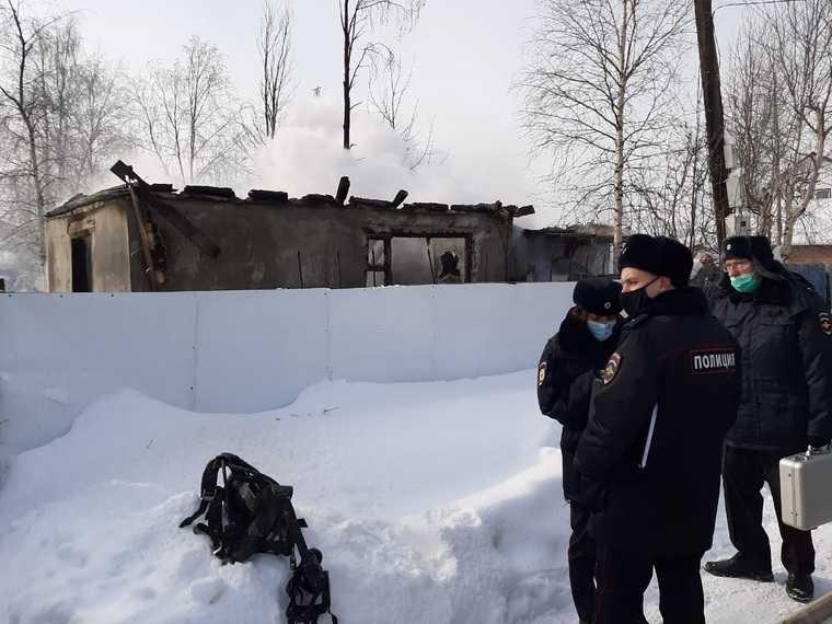 новости хмао загорелся дом в сургуте возгорание в дачном кооперативе горит частный дом есть жертвы погибли дети сгорели двое детей
