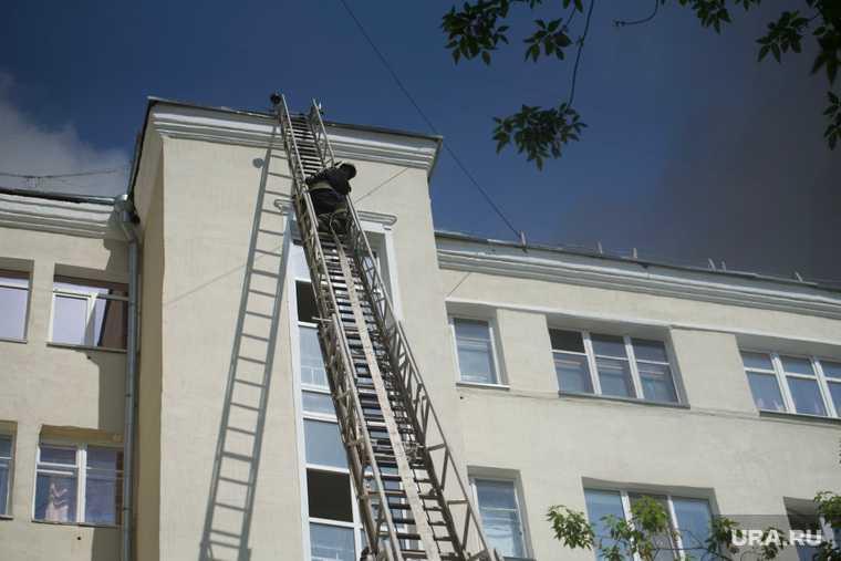 Екатеринбург горит еврейский дом Шейнкмана 19