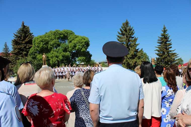 Челябинская область полиция школы линейки последний звонок алкоголь